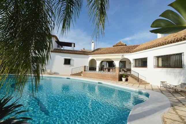 6 bed villa for sale in Estepona, Málaga, Spain