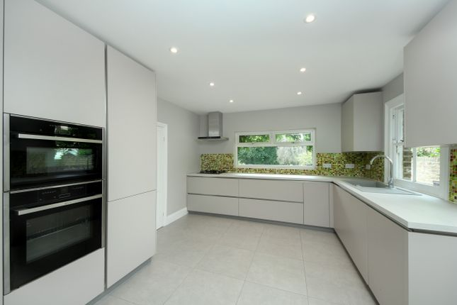 Thumbnail Detached house to rent in Inglis Road, London