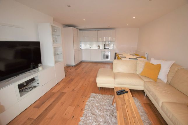 Lounge / Kitchen of 10 Eythorne Road, Brixton / Oval SW9