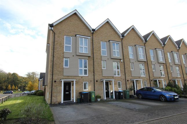 Thumbnail Town house for sale in Croxley Road, Nash Mills Wharf, Hertfordshire