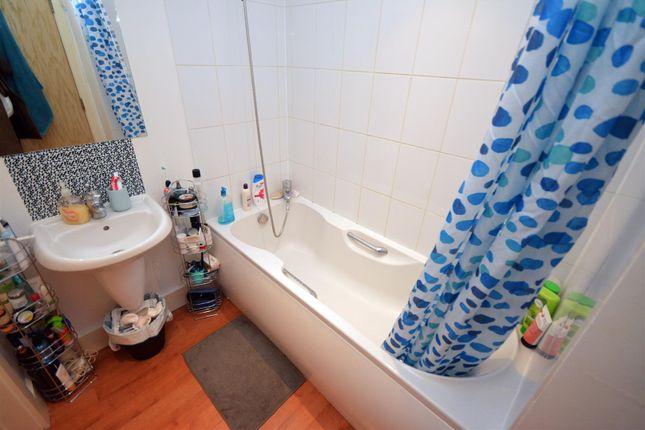 Bathroom of City Lofts, Crwys Road, Cathays, Cardiff CF24