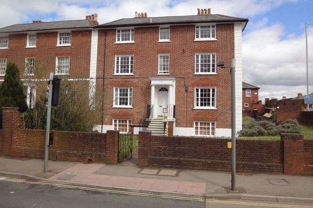 Thumbnail Flat to rent in Topsham Road, St Leonards, Exeter