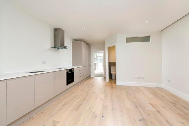 Thumbnail Flat for sale in Gloucester Road, Teddington