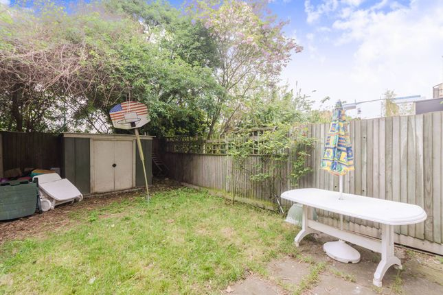 Thumbnail Terraced house for sale in Hainton Close, Shadwell