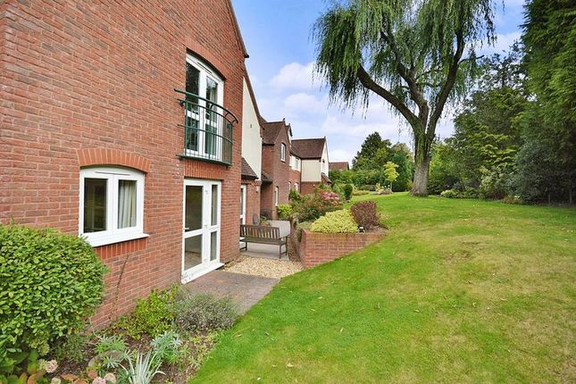 1 bed flat for sale in St Saviour's Court, Stourbridge DY9