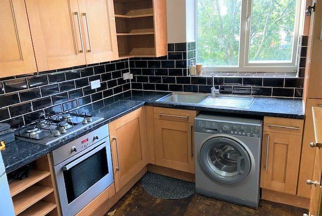 Thumbnail Flat to rent in Walton Croft, Cavenish Avenue, Harrow