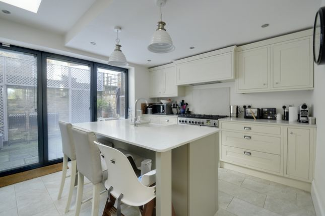 Thumbnail Terraced house to rent in Chiswick Common Road, Chiswick