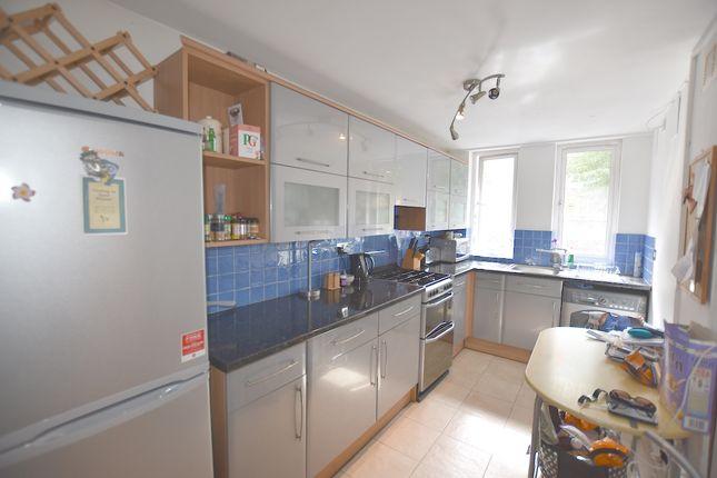 3 bed maisonette to rent in Copenhagen Street, Islington