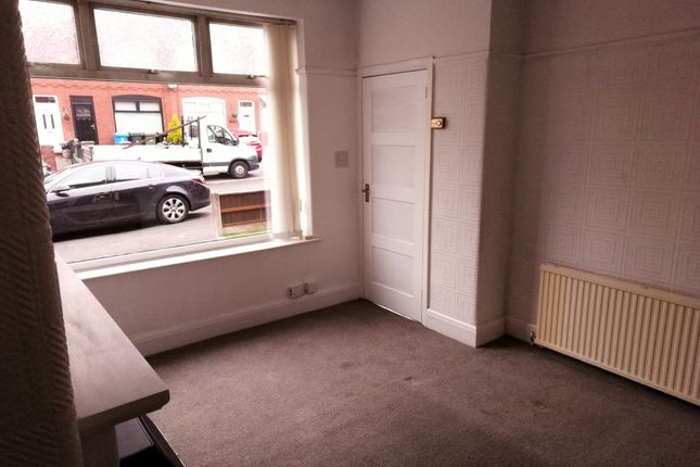 Thumbnail Terraced house to rent in Chestnut Street, Chadderton