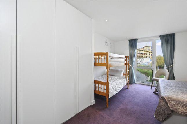 Picture No. 13 of Rivulet Apartments, Devan Grove, London N4