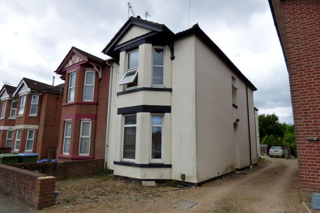 Thumbnail Maisonette to rent in Radstock Road, Woolston, Southampton