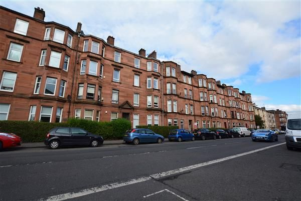 Thumbnail Flat for sale in Alexandra Parade, Glasgow