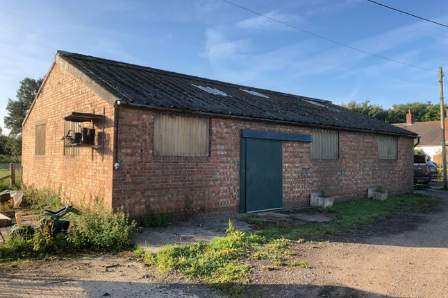 Warehouse to let in Marden, Kent