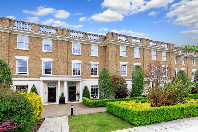 5 bed terraced house to rent in Corsellis Square, Twickenham TW1