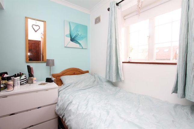 Bedroom of Hazeldene Gardens, Uxbridge UB10