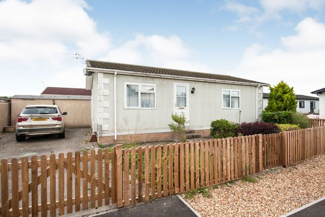 Thumbnail Mobile/park home for sale in Monks Walk, St. Johns Priory, Lechlade