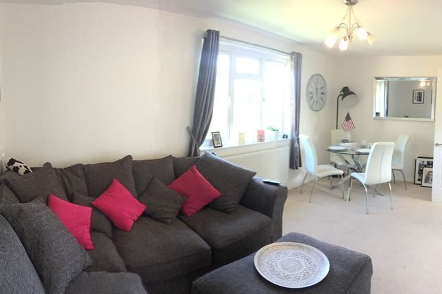 Thumbnail Flat to rent in Nutley, Bracknell