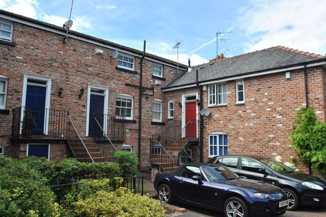 Thumbnail Terraced house to rent in Black Friars, Chester