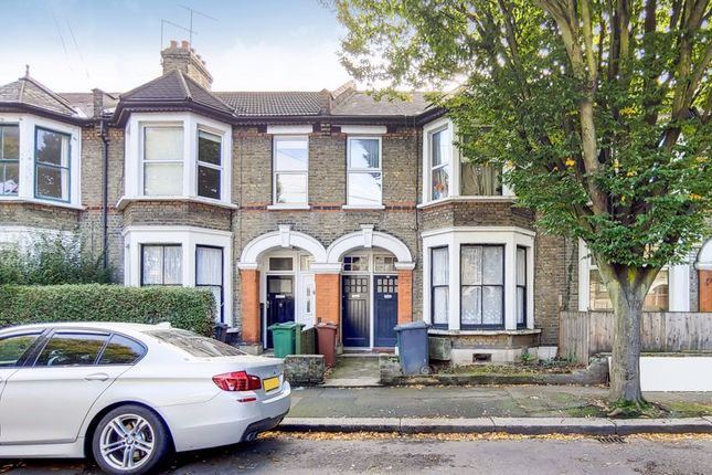 Thumbnail Flat for sale in Lawton Road, London