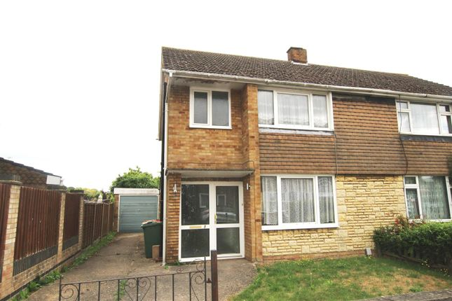 3 bed semi-detached house to rent in The Quadrant, Houghton Regis, Dunstable LU5