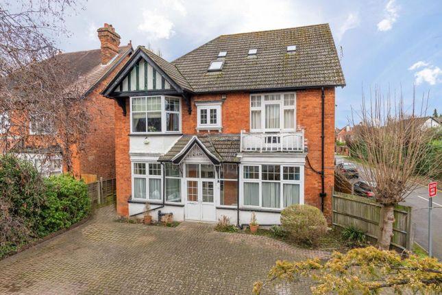 Thumbnail Maisonette for sale in Hersham Road, Walton-On-Thames