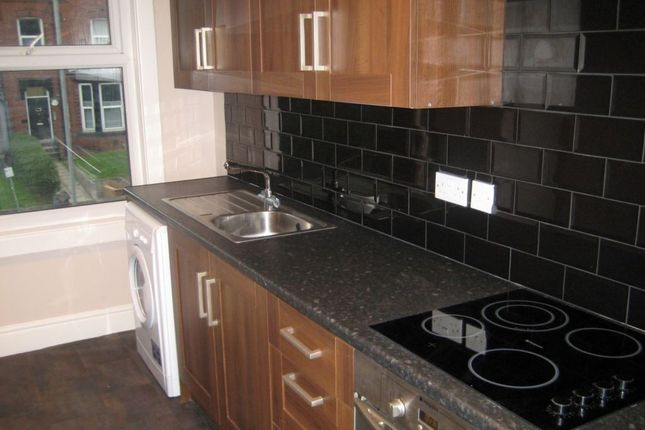 5 bed property to rent in Kelso Road, Leeds