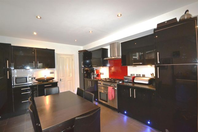 Thumbnail Terraced house to rent in Weston Park, Crouch End, London