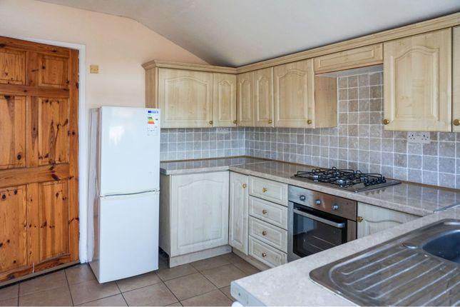 Kitchen of 94 Cartergate, Grimsby DN31