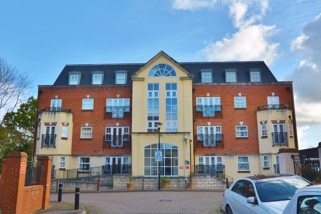 Thumbnail Flat for sale in Post Office Lane, Beaconsfield