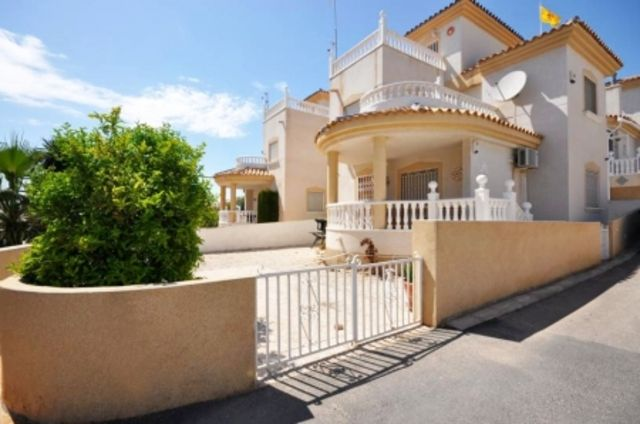 3 bed villa for sale in Villamartin, Orihuela Costa, Alicante, Valencia, Spain