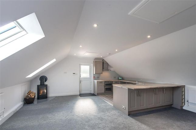 Thumbnail Flat to rent in Teston Road, Offham, West Malling