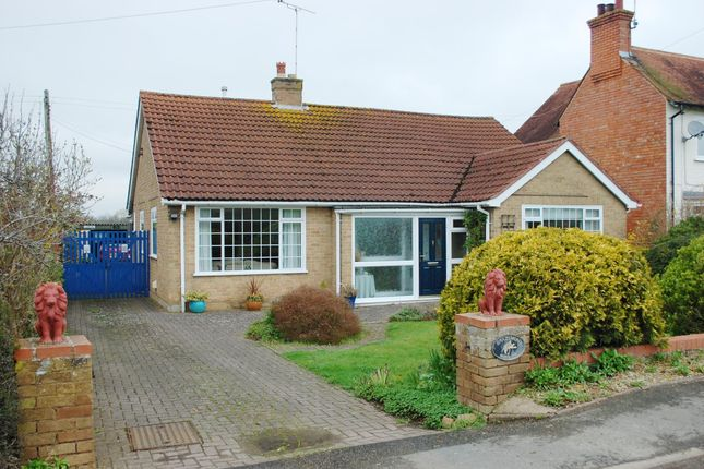 Thumbnail Bungalow for sale in Cleeve Road, Marlcliff, Bidford-On-Avon, Alcester