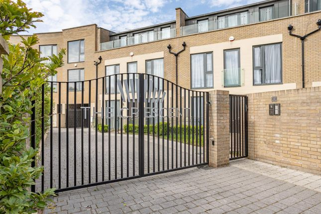 Thumbnail Property to rent in Gunnersbury Mews, London