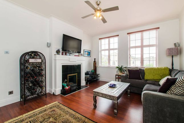 Thumbnail Flat to rent in Leigham Avenue, Streatham Hill, London