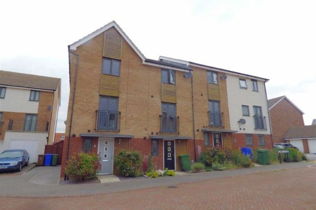 Thumbnail Town house to rent in Turner Close, Brough, East Yorkshire
