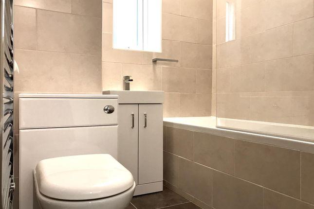 Bathroom of Nailsworth Crescent, Merstham, Redhill RH1