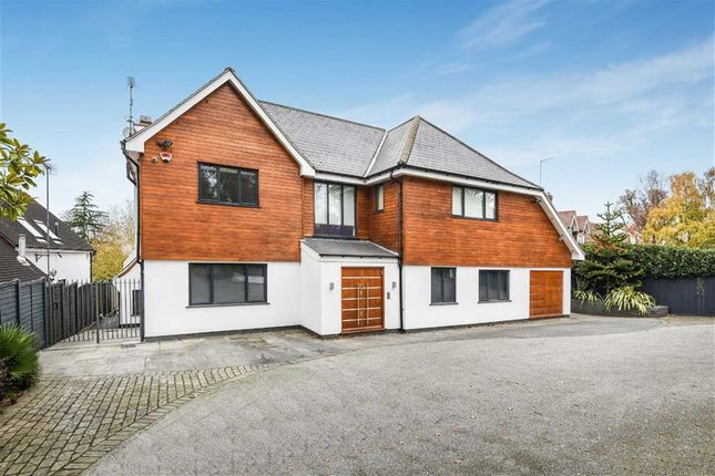 Thumbnail Detached house for sale in Barnet Lane, Elstree, Hertfordshire
