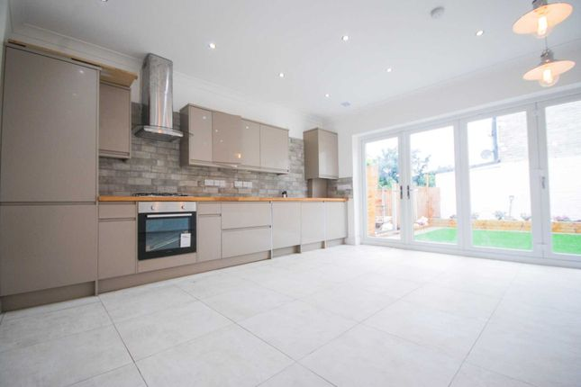 Thumbnail Terraced house for sale in Forest Road, London