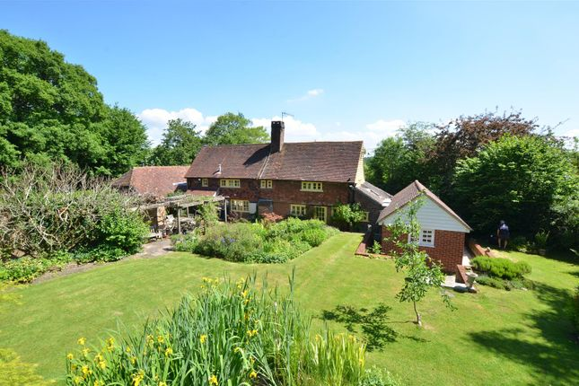 Thumbnail Detached house for sale in Prettymans Lane, Edenbridge