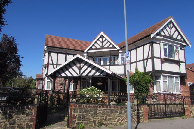 Thumbnail Detached house to rent in Barley Lane, Goodmayes