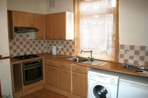 Thumbnail Terraced house to rent in Recreation View, Holbeck, Leeds