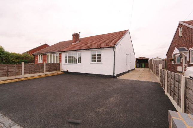 Thumbnail Bungalow for sale in Leaford Avenue, Denton, Manchester