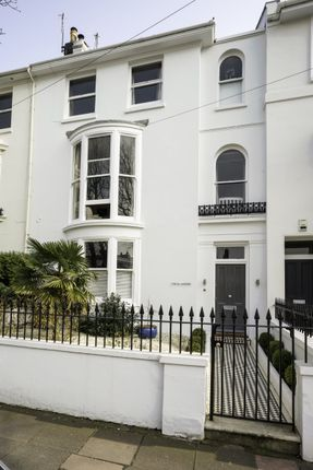 Thumbnail Property to rent in Clifton Road, Brighton