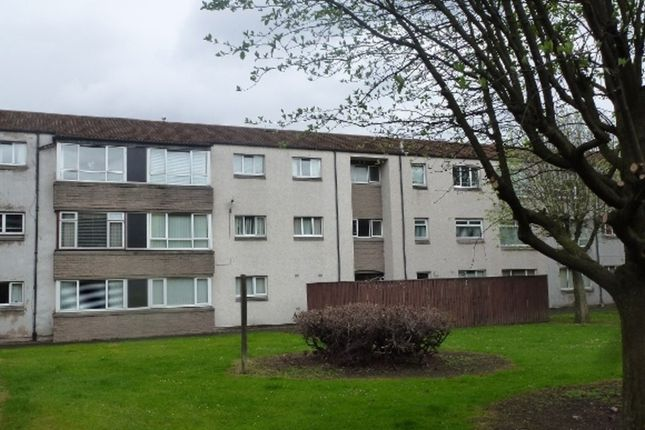 Thumbnail Flat to rent in Lumley Court, Grangemouth