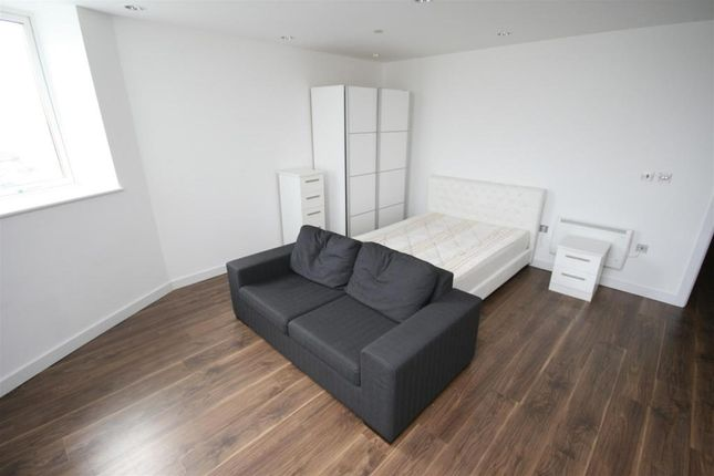 Studio to rent in Blue, Media City Uk, Salford M50