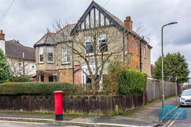 Picture No. 26 of Granville Road, High Barnet, London EN5