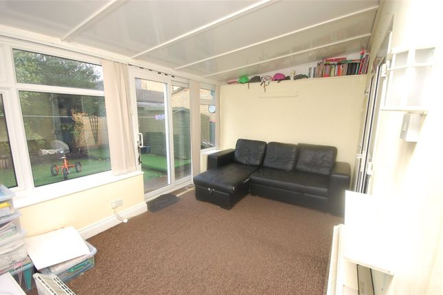 Picture No. 22 of Snowdonia Close, Pitsea, Essex SS13