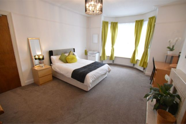 Thumbnail Shared accommodation to rent in Suffolk Road, Bournemouth, Dorset
