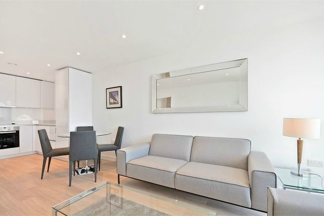 Thumbnail Flat to rent in Pinnacle Apartments, 11 Saffron Central Square, Croydon, Surrey