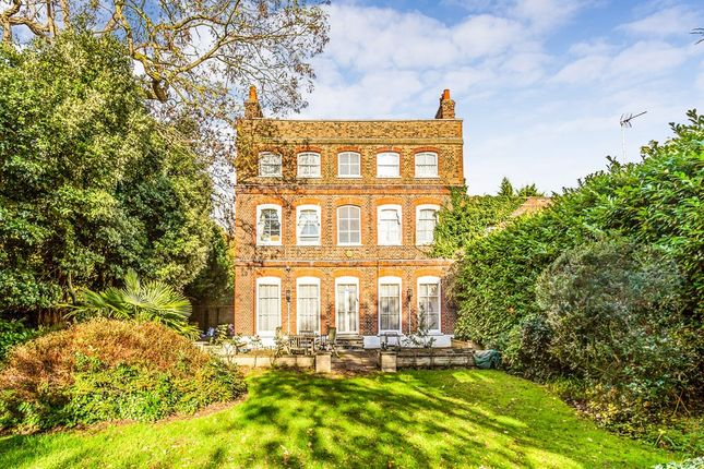 Thumbnail Detached house for sale in High Road, Chigwell